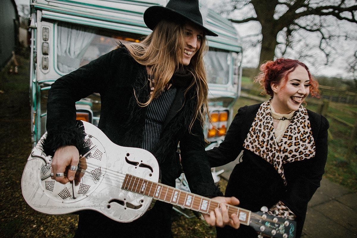 resonator guitar couple
