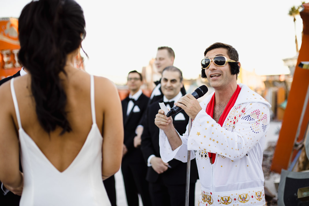 elvis weddings vegas